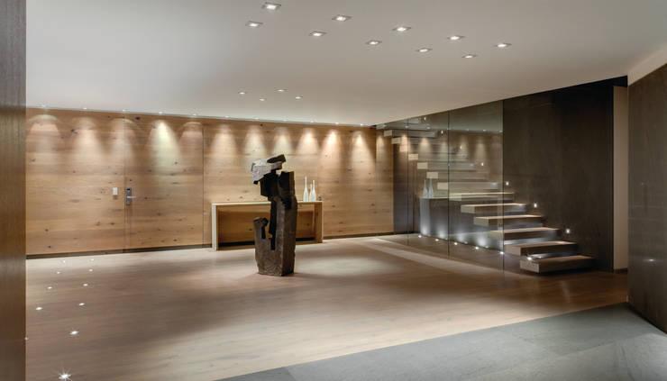 Lobby : Pasillos y recibidores de estilo  por ARCHETONIC / Jacobo Micha Mizrahi