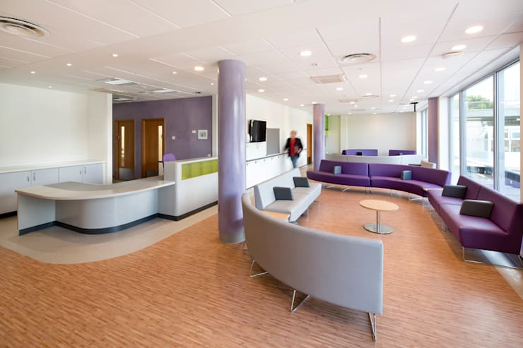 New Build, NHS Hospital—Emergency Department & Day Surgery Unit :   by Koubou Interiors