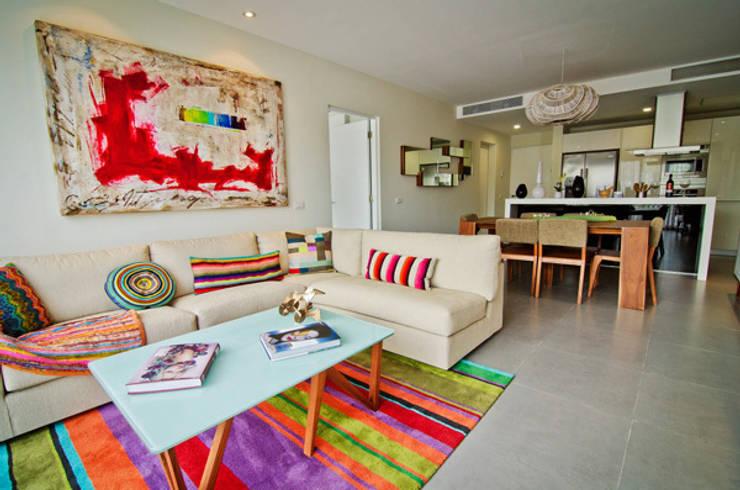 Residencias Lorena Ochoa:  de estilo  de gs arquitectos