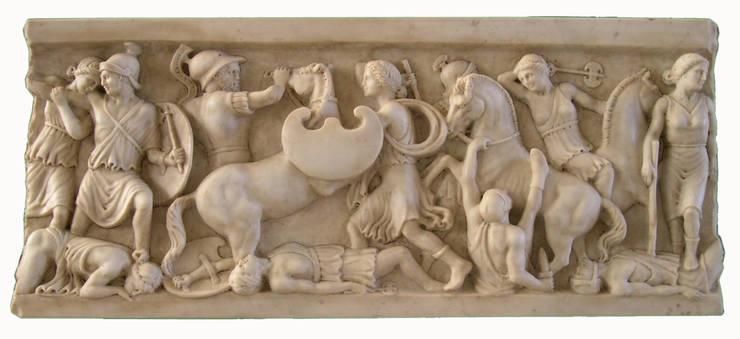 Altorilievo in marmo Carrara: Soggiorno in stile  di Todini Sculture