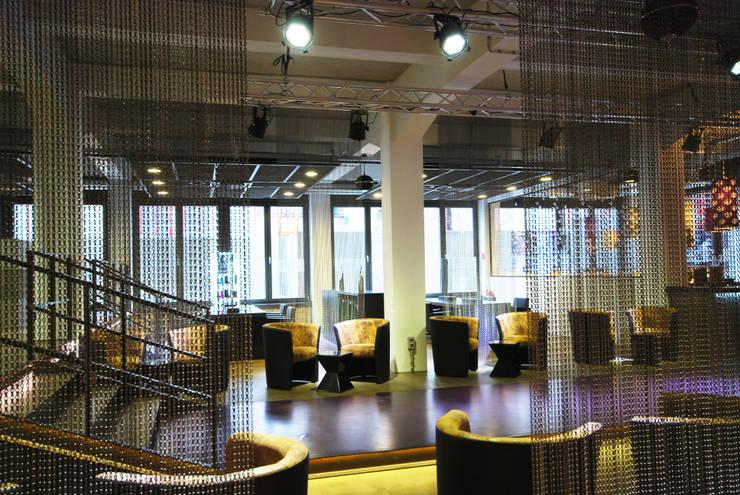 Wartebereich:  Geschäftsräume & Stores von INNEN LEBEN,Industrial