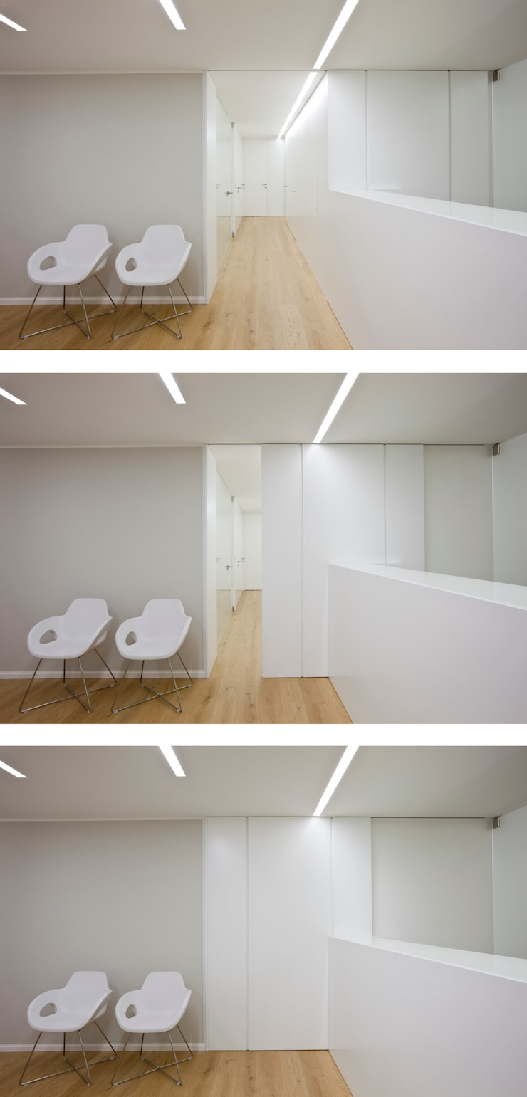 CIB: Studio in stile  di ANK architects,