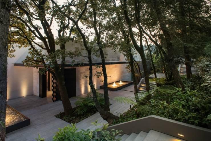 plaza Acceso:  de estilo  por Rhyzoma - Arquitectura y Diseño