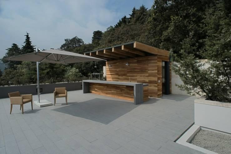 Roof Garden:  de estilo  por Rhyzoma - Arquitectura y Diseño