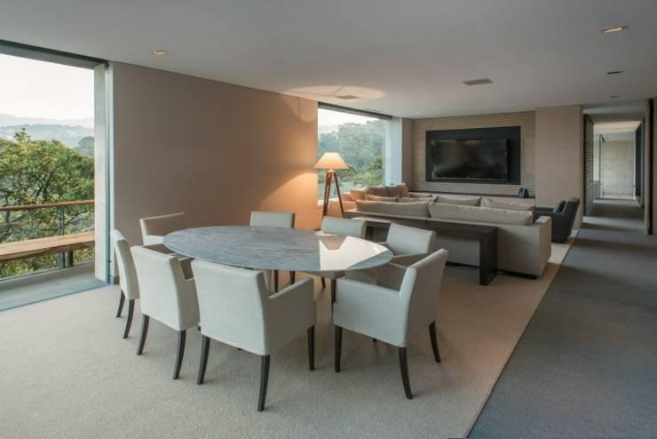 Antecomedor Family:  de estilo  por Rhyzoma - Arquitectura y Diseño