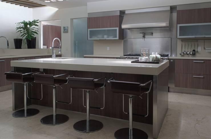 Cocina: Hogar de estilo  por Rhyzoma - Arquitectura y Diseño