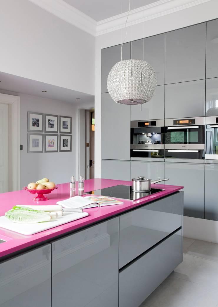 WENDY'S KITCHEN:  Kitchen by Diane Berry Kitchens