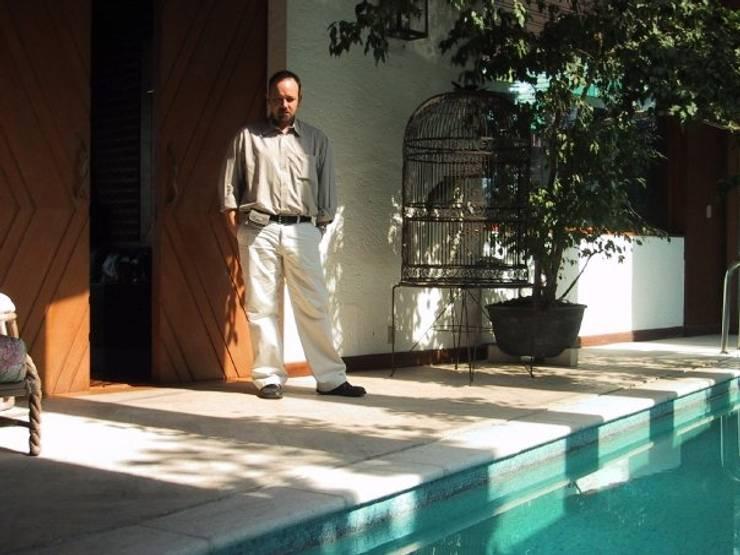 Climatizador en Piscina: Piletas de estilo clásico por SPAC