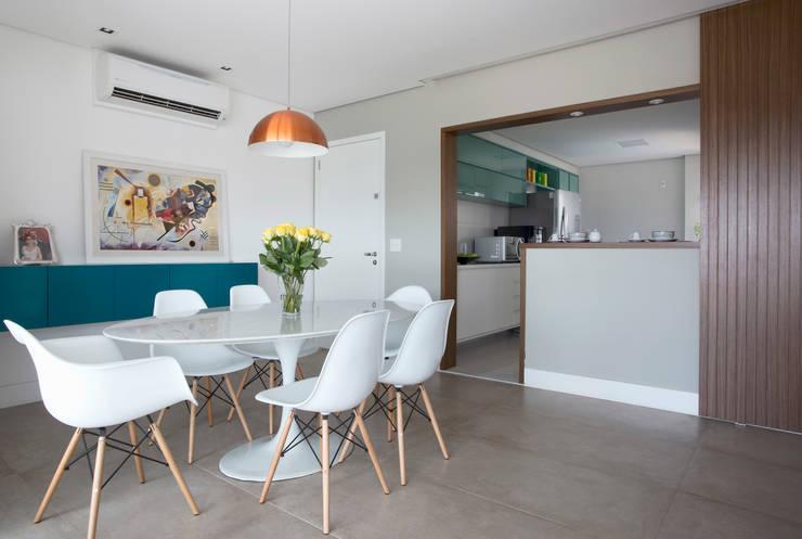 Sala de jantar: Salas de jantar modernas por Decorare Studio de Arquitetura