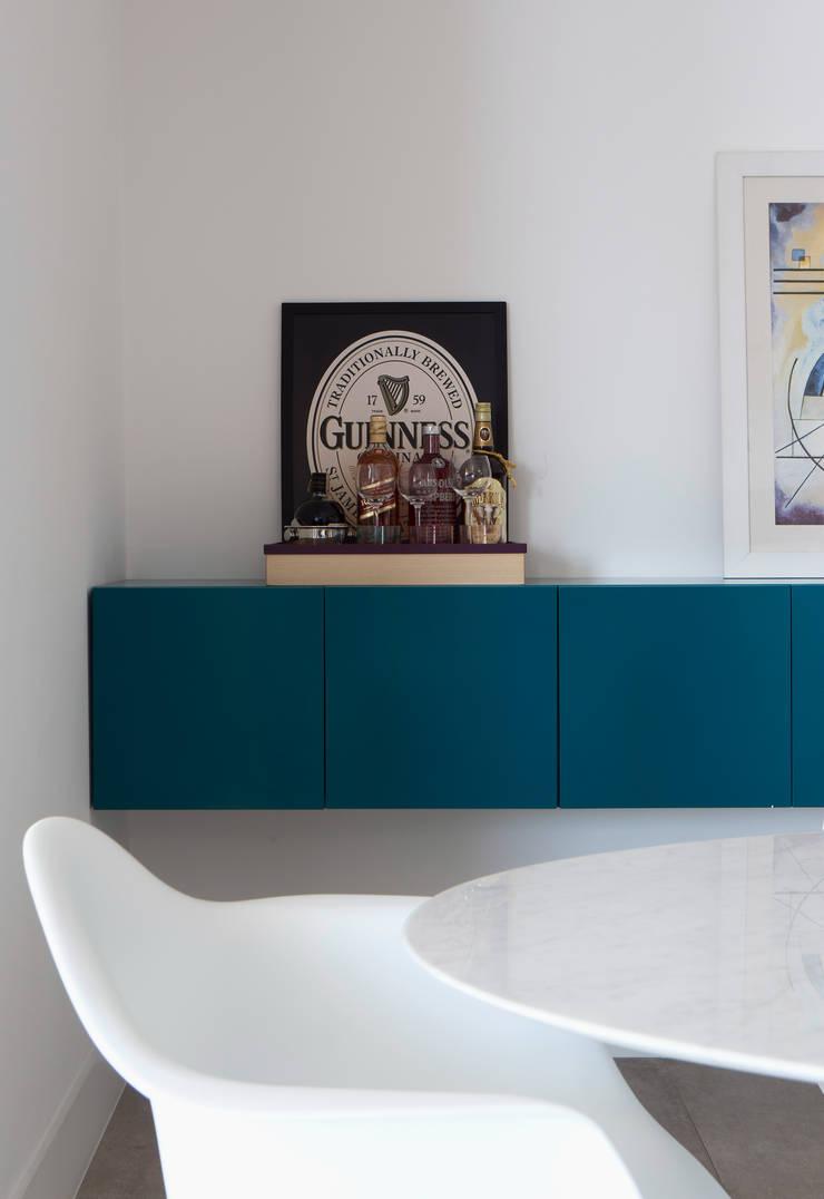 Buffet Sala de jantar: Sala de jantar  por Decorare Studio de Arquitetura