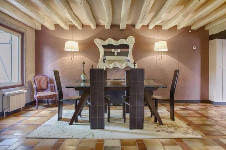Maison de campagne revisitée - Marines 95: Maisons de style  par Katia Rocchia Home Designer