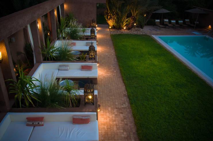 Hotel en Marruecos: Hoteles de estilo  de Space Maker Studio