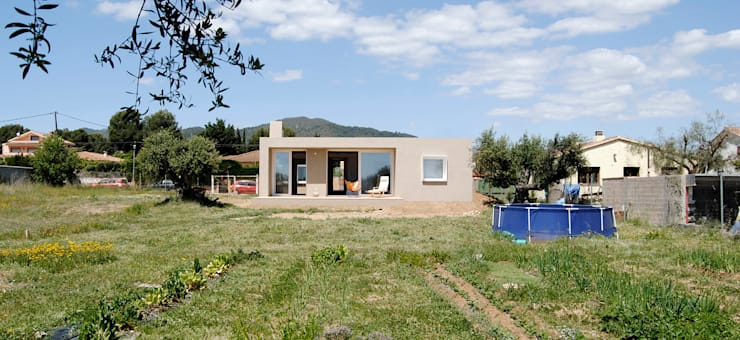 Houses by NUA Arquitectures