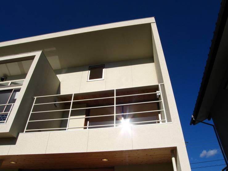 コロ!: 高原正伸建築設計事務所 一級建築士事務所が手掛けた家です。