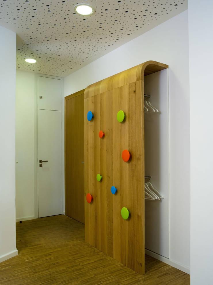Innenarchitektur f r kinderarztpraxis in berlin von neumann kafert b rogemeinschaft f r - Berlin innenarchitektur ...