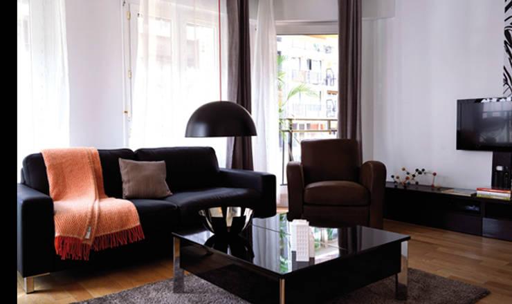 Salon:  de style  par Soraya Deffar / Un Pretexte