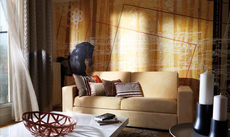salon avec toile panoramique personnalisée:  de style  par Soraya Deffar / Un Pretexte