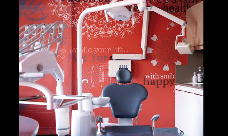 Cabinet dentaire: Cliniques de style  par Soraya Deffar / Un Pretexte