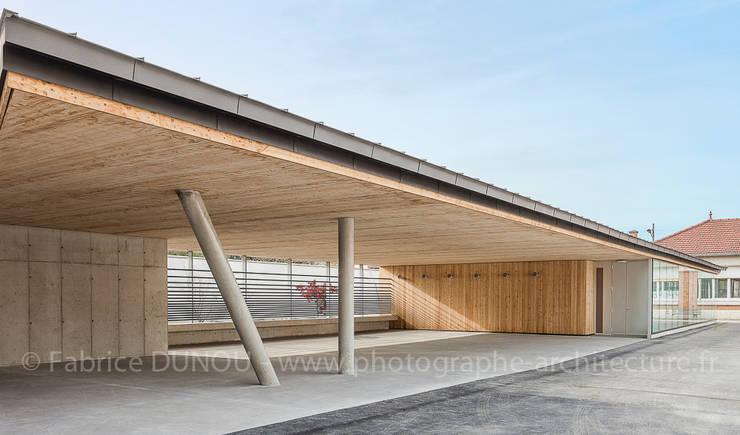 Extension Ecole primaire :  de style  par Fabrice Dunou photographe d'architecture Paris
