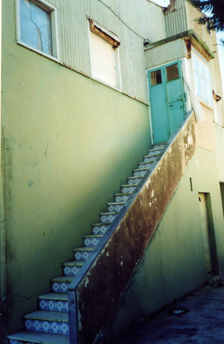 Escalera (Antes):  de estilo  de a2g.arquitectura