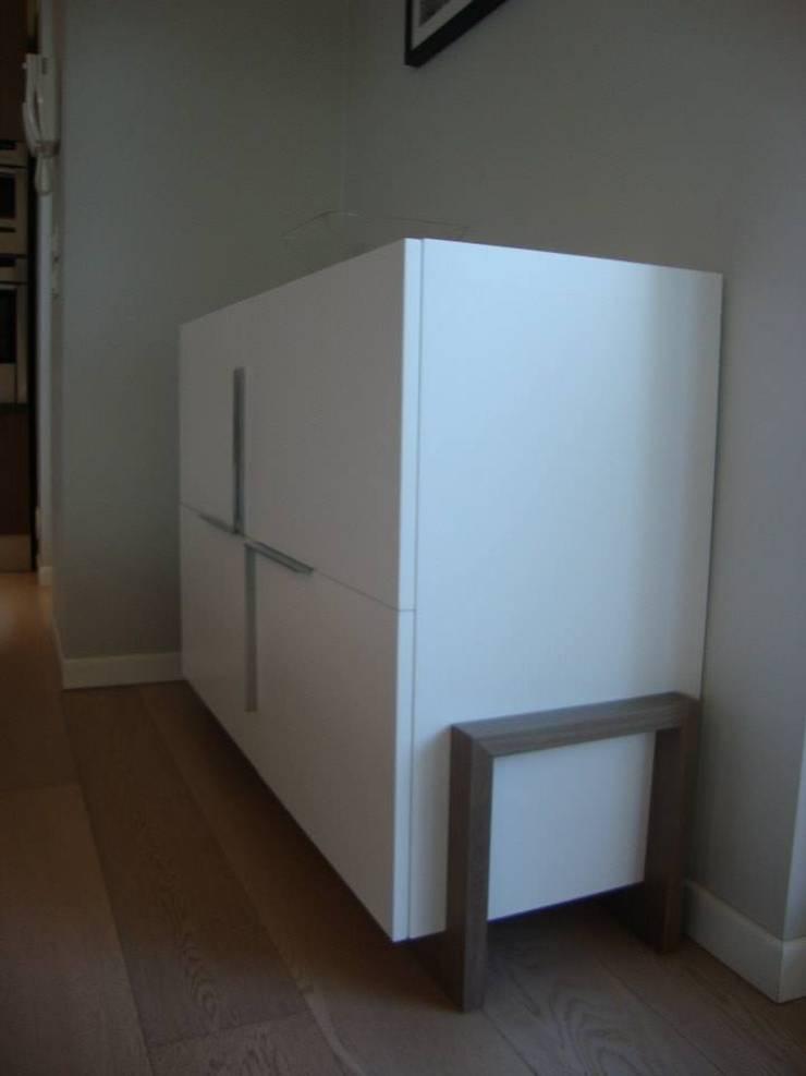 Abitazione privata su due livelli: Case in stile  di Donato Leonetti Studio
