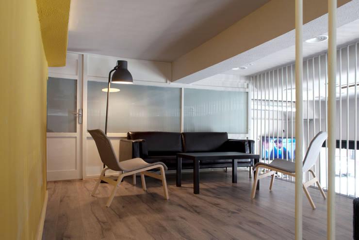 Zona de estar: Locales gastronómicos de estilo  de interior03