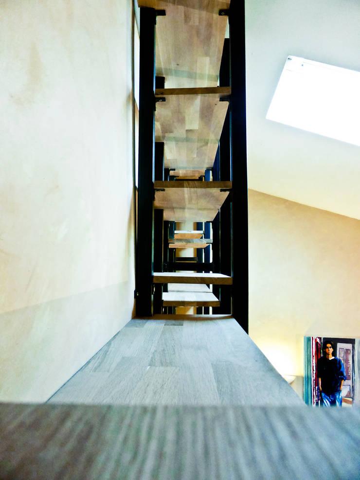 Wood and Steel: Bureau de style  par Collectif Parenthèse