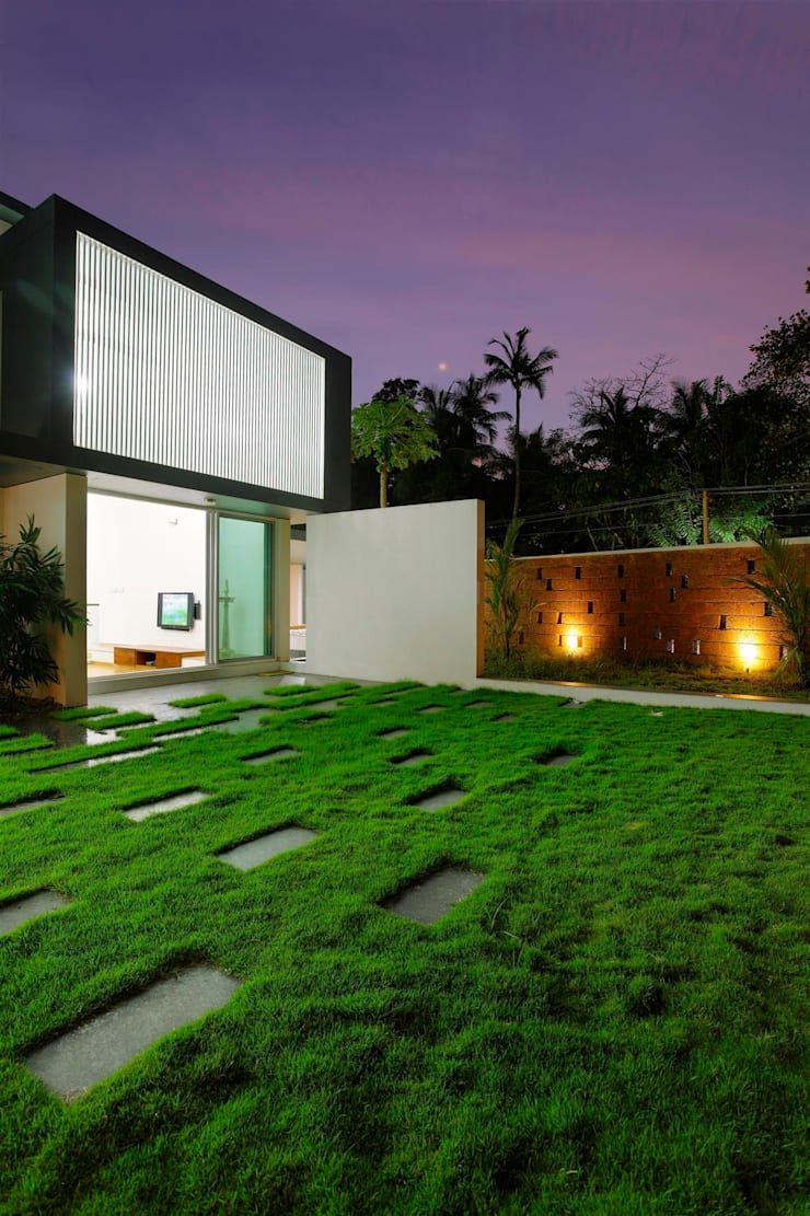 Houses by LIJO.RENY.architects