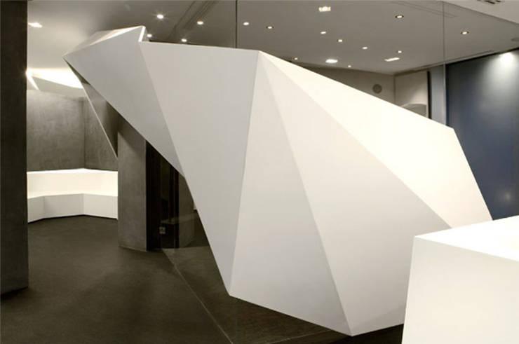 Accueil Spa&Co: Espaces commerciaux de style  par Galaktik