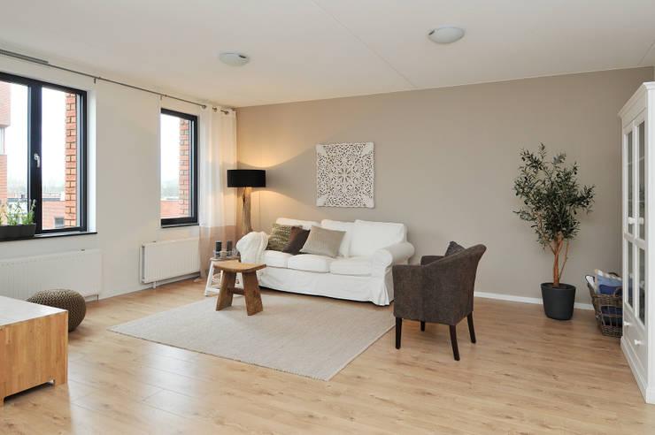 STAGING WOHNZIMMER:  Wohnzimmer von 1-2-3 Verkauft