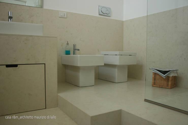 casa m&r: Bagno in stile  di OPIFICIO_architettura.urbanistica.arte, Minimalista