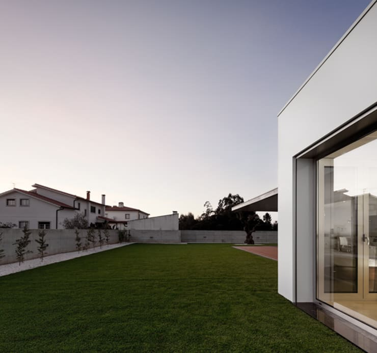 XIEIRA HOUSE II by A2+ ARQUITECTOS Modern Concrete