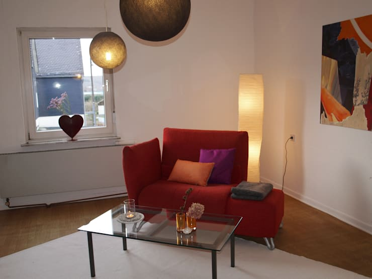 Projekty,  Salon zaprojektowane przez Raumpraesenz-Homestaging