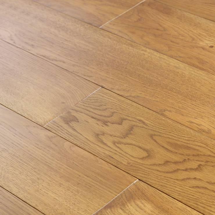 Roble Selecto: Paredes y suelos de estilo  de Pavimentos Arquiservi