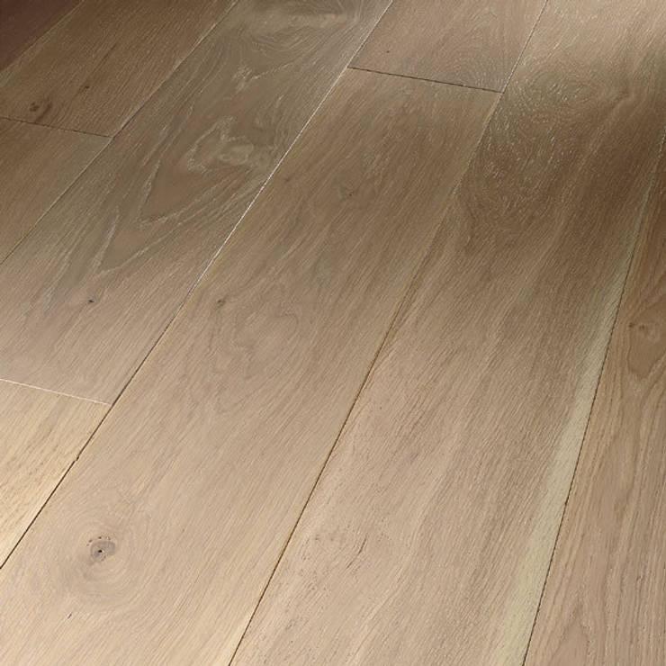Roble Europeo Blanco: Paredes y suelos de estilo  de Pavimentos Arquiservi