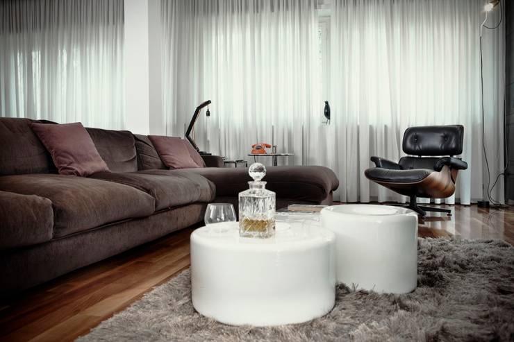 Residenza E42 Contemporary Sax: Casa in stile  di Studio Cappellanti