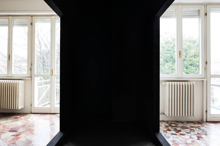 Appartamento VM:  in stile  di Lopes Brenna Architetti