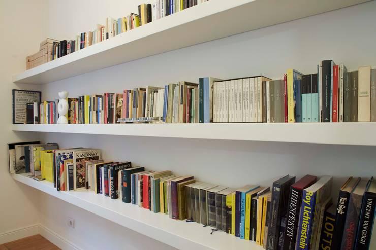 libreria: Case in stile  di Studio Peveri,