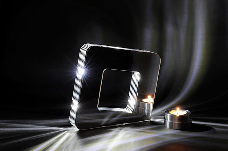 Einmal anders bitte: Das Schichtlicht.: moderne Wohnzimmer von Michael Schön eDesign