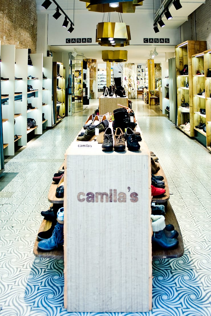 Zapateria CASAS – Rambla Catalunya 52: Espacios comerciales de estilo  de FUSINA 6