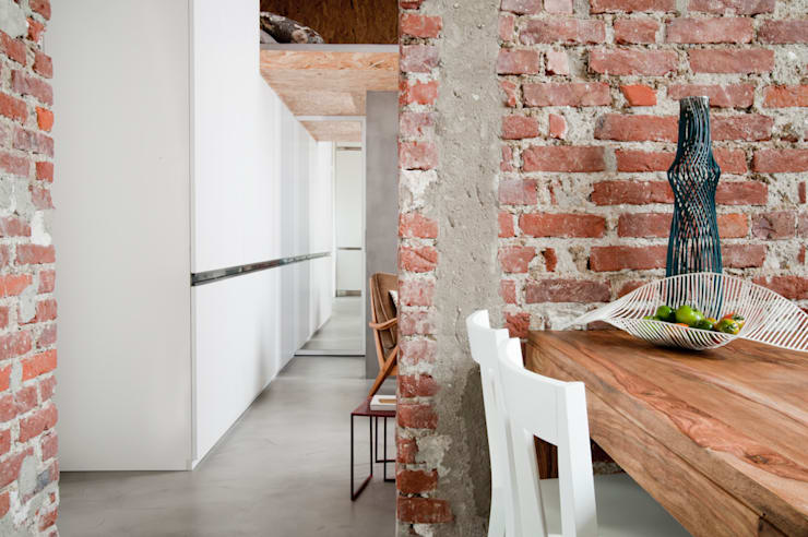Casas de estilo industrial por Cristina Meschi Architetto