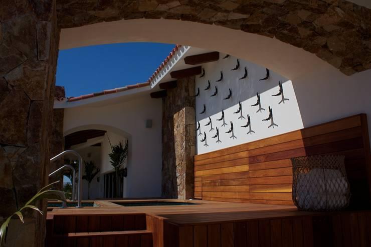 Penthouse Gransolmar Los Cabos : Hoteles de estilo  por DIAZ DE LUNA SIGNATURE