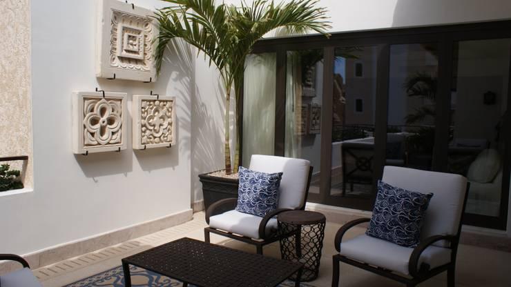 Terrasse de style  par DIAZ DE LUNA SIGNATURE