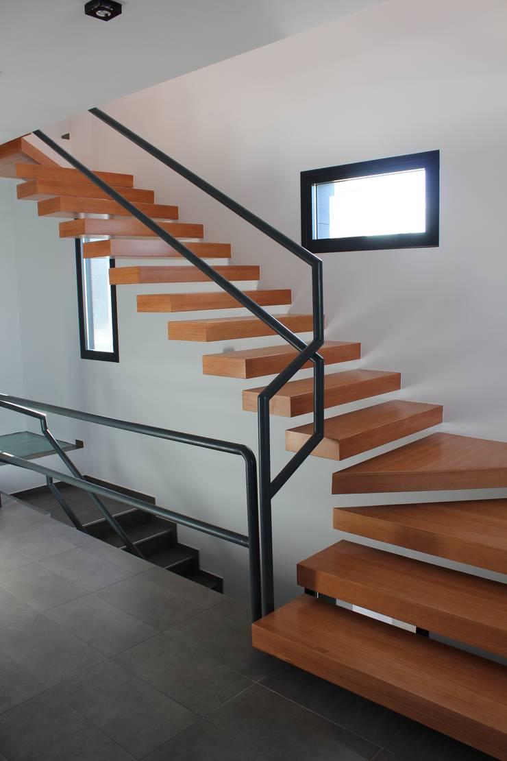 Escalera: Arte de estilo  de forma2arquitectos