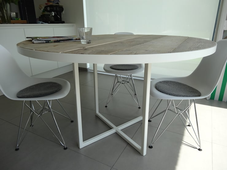 Comedor de estilo  por PURE Wood Design