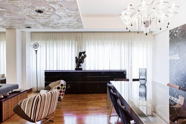 Residenza Eur: Case in stile  di Studio Cappellanti
