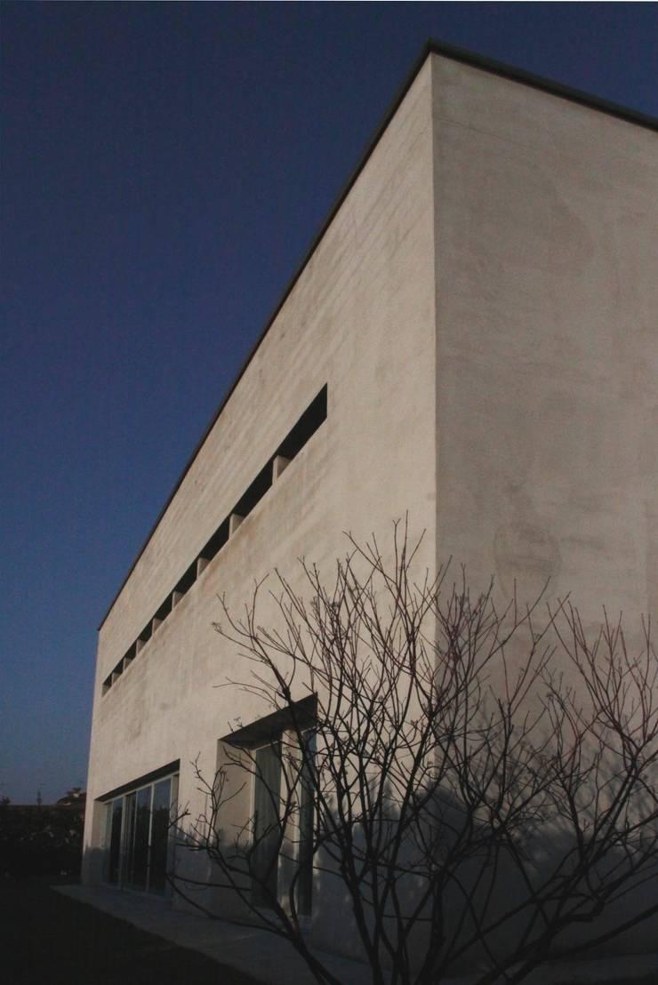 RESIDENZA BIFAMILIARE:  in stile  di studio di architettura DISEGNO