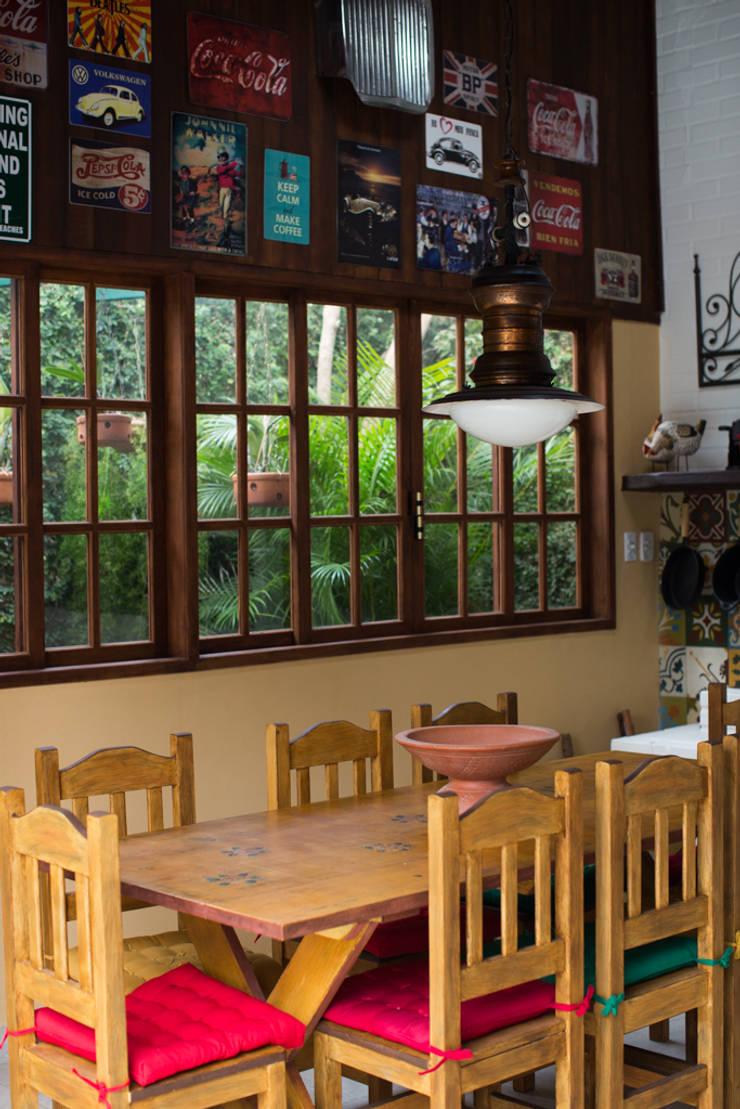 Espaço Gourmet : Terraços  por Lúcia Vale Interiores,Rústico