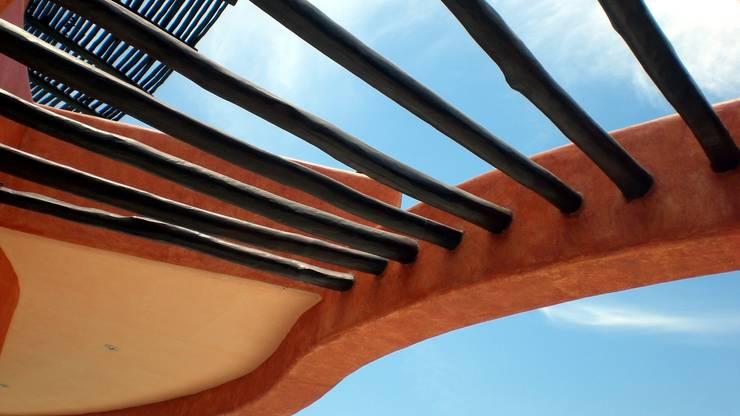 Casa Mariposa: Casas de estilo  por arqflores / architect