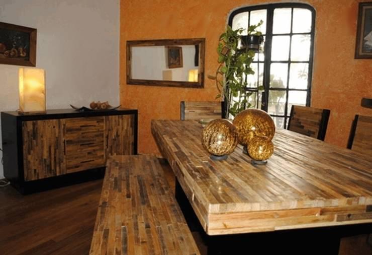 Comedor Reciclato : Comedor de estilo  por Segusino Muebles Condesa